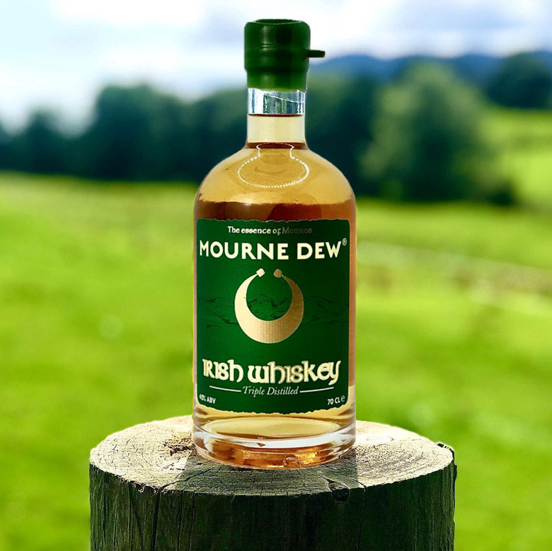 Mourne-Dew-Distillery-Triple-Distilled-Irish-Whiskey-Newry-70-cl